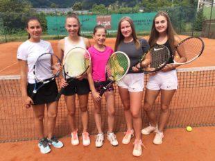 U18 Tennis-Juniorinnen ungeschlagen Meisterinnen in der 2. Bezirksliga