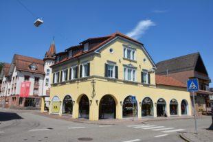 Große Eröffnung der Zeller Keramik im ehemaligen Kaufhaus Auer