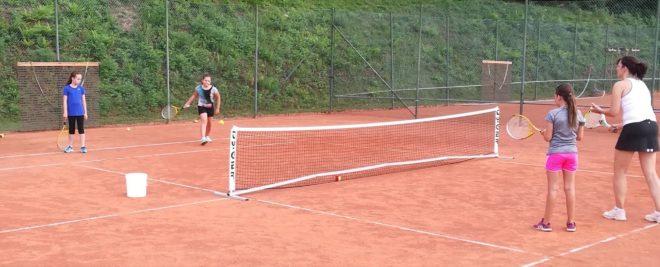 Tennisclub Nordrach: Kostenloses Anfänger Kinder-Tennistraining