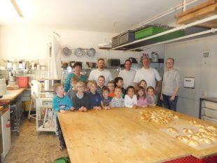 Grundschulförderklasse erlebt das Bäckerhandwerk
