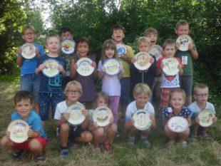 Grundschulförderklasse zu Besuch in der Zeller Keramik