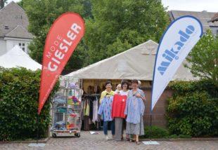 Zeltverkauf ist ein Kundenmagnet