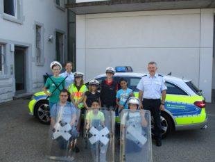 Kinder erleben die Polizei hautnah