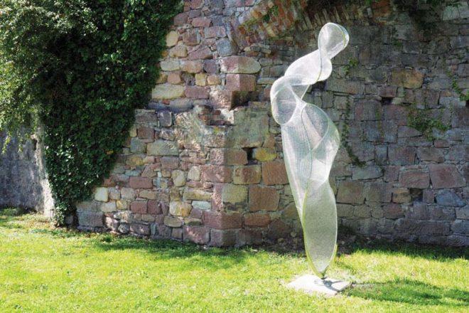 Zeller Kunstwege: Spaziergang und Vernissage bei »Arthus« »Bonjour mes amis«