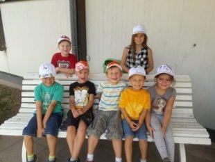 Kinder gestalten Baseballmützen