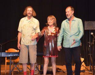 Fräulein Knöpfle und ihre Herrenkapelle begeisterten das Publikum