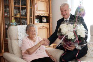 Nur die allerbesten Wünsche für Marga Schwarzes 90. Geburtstag