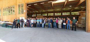 Blockhausbauer aus der ganzen Welt zu Besuch