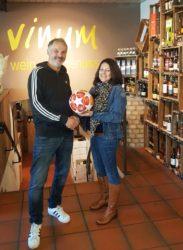 Ballspende für den SVO von Getränke Klausmann