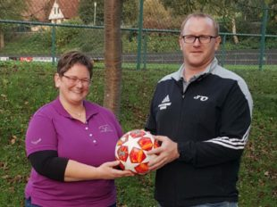 SVO freut sich über Ballspende der Oberharmersbacher Landfrauen