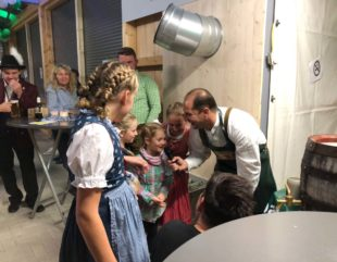 Kulinarische Schmankerl waren beim Bayerischen Abend begehrt Oktoberfest der DJK Prinzbach war ein voller Erfolg