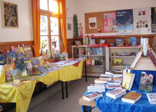 Kath. öffentliche Bücherei Biberach: Buchausstellung mit Kaffee und Kuchen