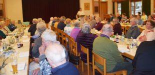 Altenwerk hatte zur Eucharistiefeier ins Pfarrheim eingeladen