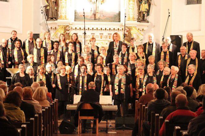 Ortenauer Gospelchor »Swinging spirits« : Benefizkonzert