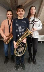 Drei Jungmusiker der Stadtkapelle feiern Premiere beim Cäcilienkonzert