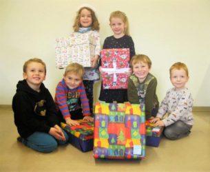 Weihnachtsgeschenke für Kinder in Bosnien und Serbien