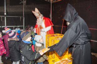 350 Weckmänner an Kinder verteilt