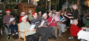 Sangesfrohe Weihnachtsfeier im Seniorenzentrum