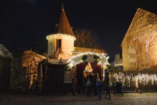 Weihnachtszauber beim Hirschturm