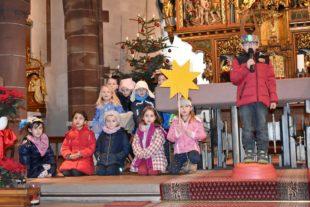 Kindersegnung in der Pfarrkirche