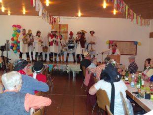 Närrische Musiker sorgten für Stimmung bei den Senioren