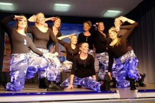 Fasendgemeinschaft Klein Paris feiert gelungene Premiere im Pfarrheim