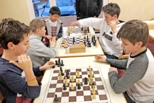 Jugend-Schachclub Zell a. H. wieder Spitzenreiter