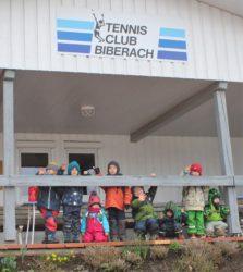 Ausweichquartier beim Tennisclub ohne fließendes Wasser