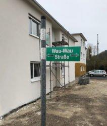 »Am Sportplatz« wird »Wau-Wau-Straße«