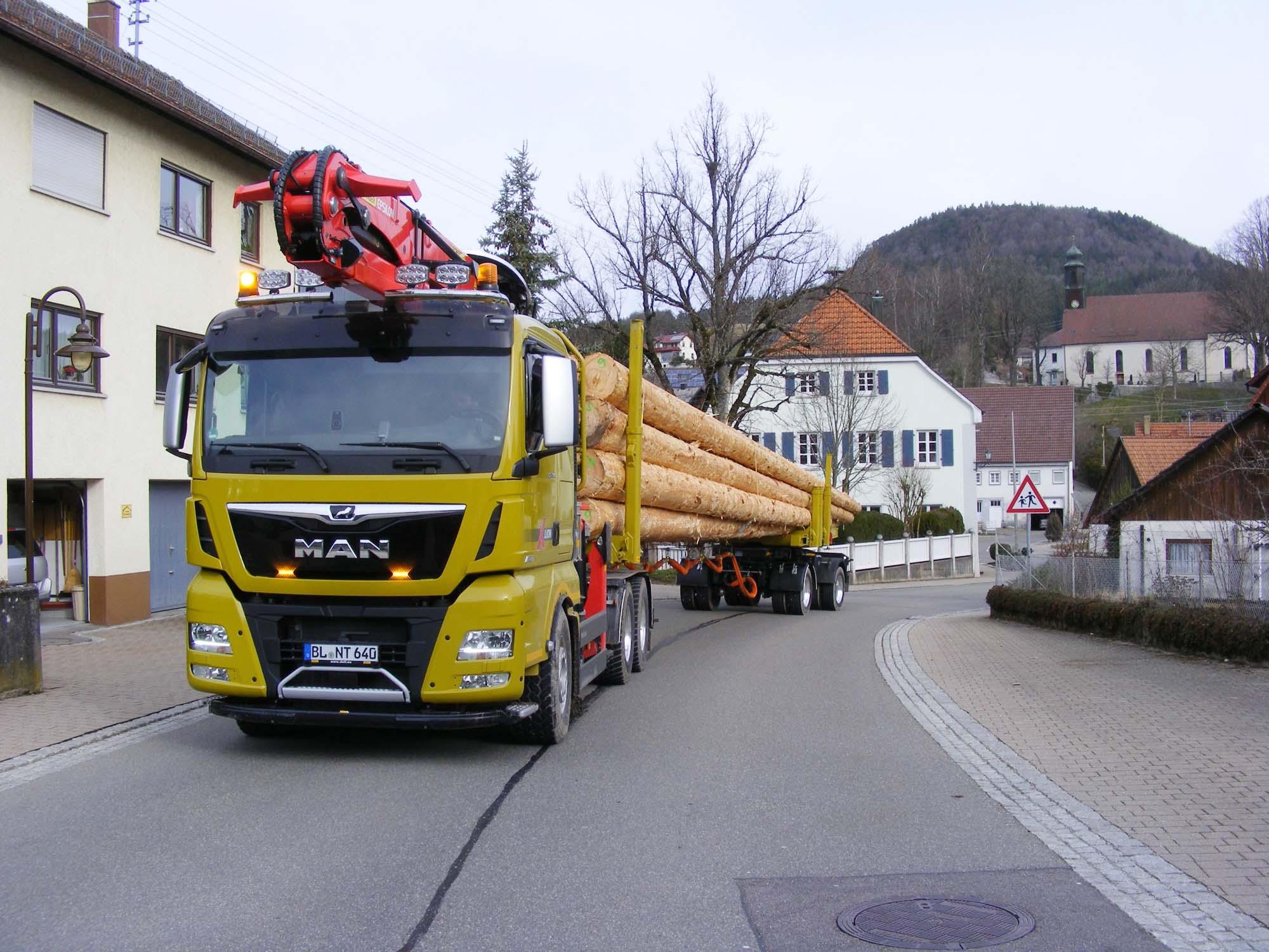 2020-5-8-Oppenau-Ilse und Manfred Oestreich-Holztransport-Nagel 200314j