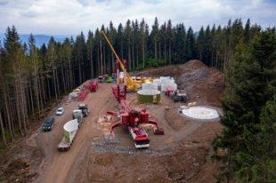 Zweiter Betonturm im Windpark Hohenlochen fertig gestellt