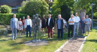 Bildhauer und Skulptur mit Geschichte