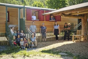 Naturkinder haben ihren Bauwagen bezogen
