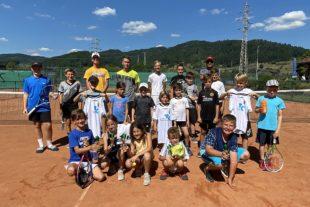 Weltranglistenspielerin Ganna Poznikhirenko lobt »Good Vibes« beim Zeller Tennisclub