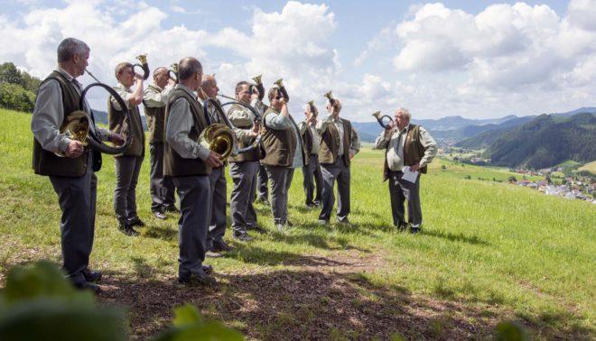 Jagdhornbläsergruppe Harmersbachtal : Jagdhornklänge auf dem Vesperweg