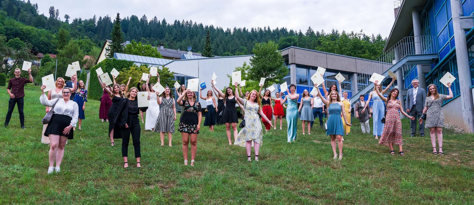 2020-8-5-WOL-BSW-Sozialwissensch. Gymnasium-Schule- 2020 Abschlussklasse SG-Verabschied