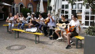 »Cool Kids« gaben Markt-Konzert