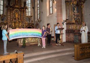 Der Regenbogen als Zeichen der Hoffnung stand im Mittelpunkt