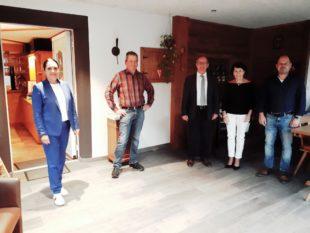 Bauunternehmen Volk ehrt Arbeitsjubilar Karl-Heinz Moser