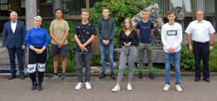 Karl Knauer begrüßt sieben neue Azubis