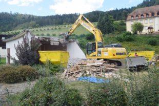 Beginn der Abbrucharbeiten im Kurpark