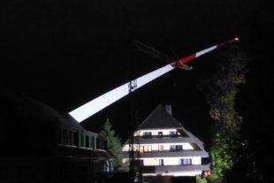 Dritter Flügel ist beim Windpark Hohenlochen eingetroffen