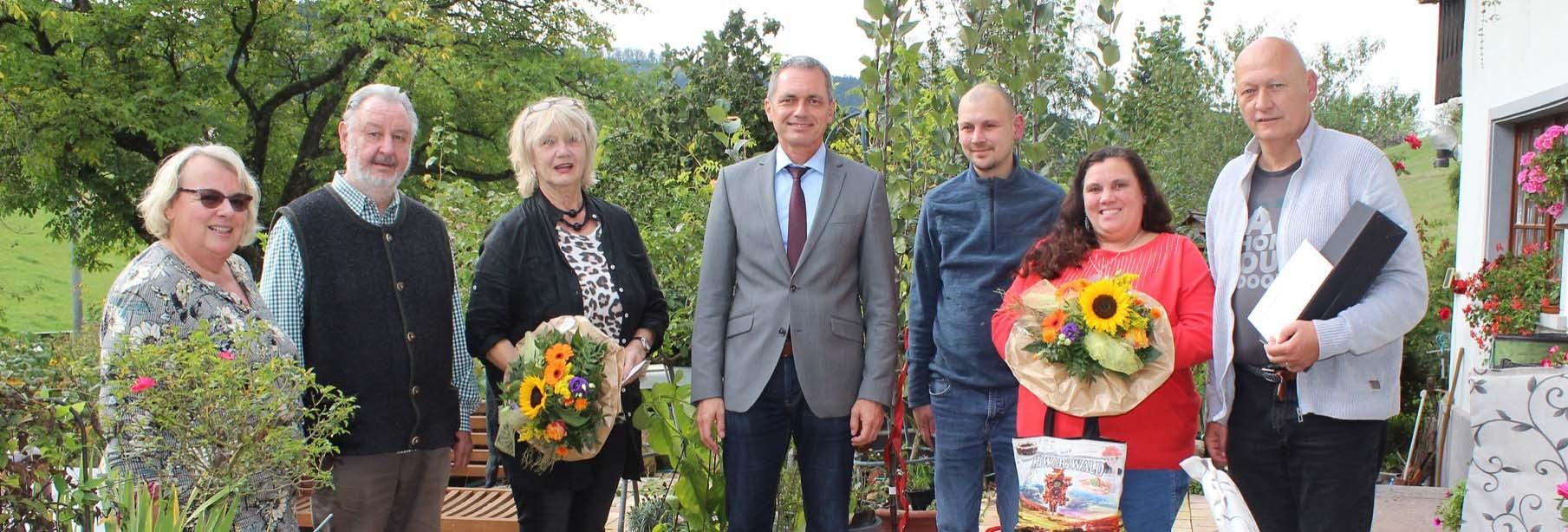 2020-10-7-ZE-OE-Tourist-Info-Gästeehrungen Unterer Gurethshof-mit Bessy