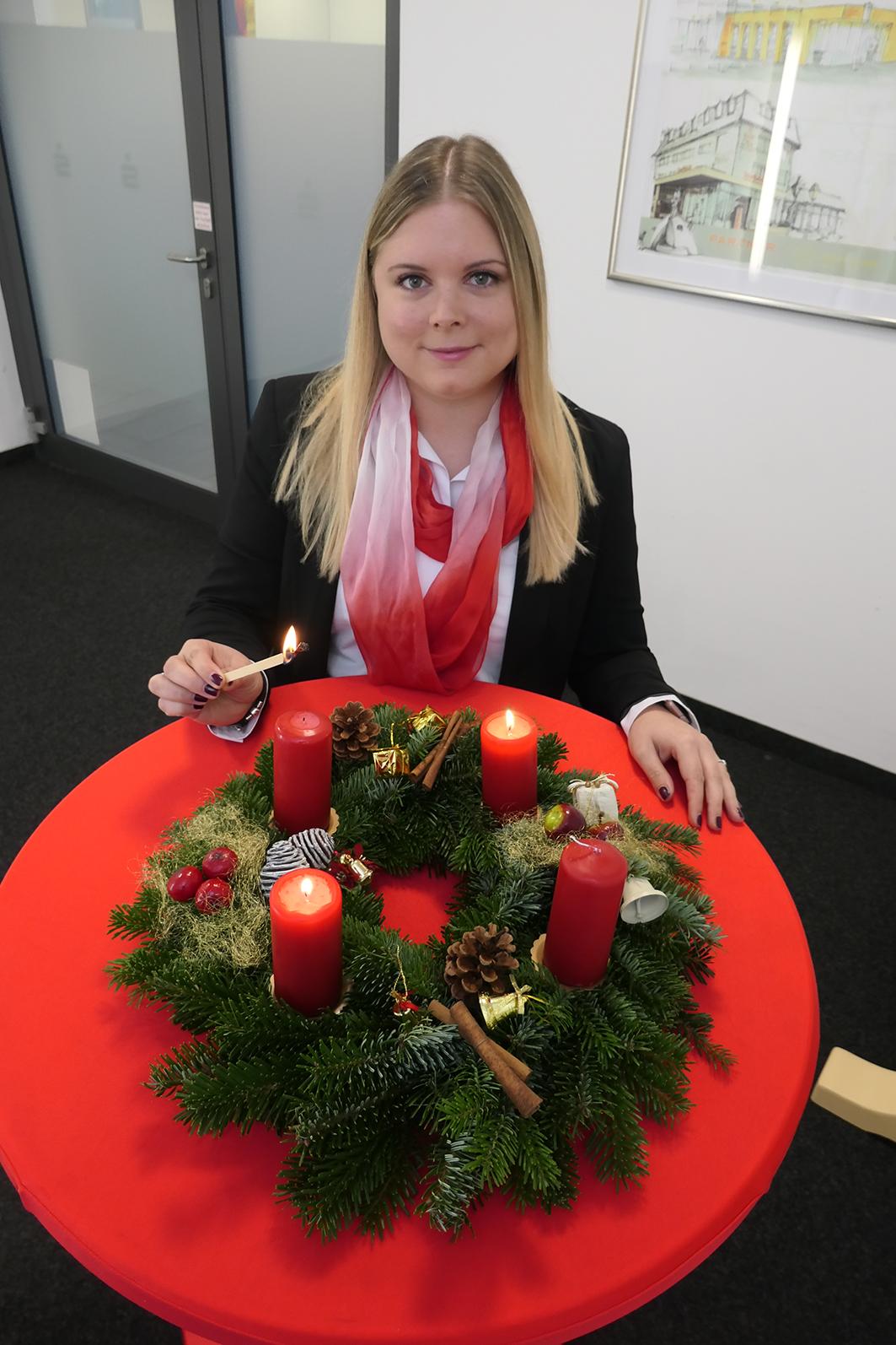 2020-12-14-HA-Haslach-Unternehmen-Sparkasse-Adventsaktion-Lisa Ahrens
