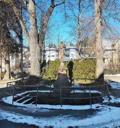 Lindenbaum am Gnadenbrunnen muss schnell gefällt werde