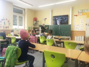Schüler kehren schrittweise in die Schule zurück