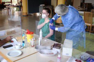 Erste Impfrunde im Seniorenzentrum