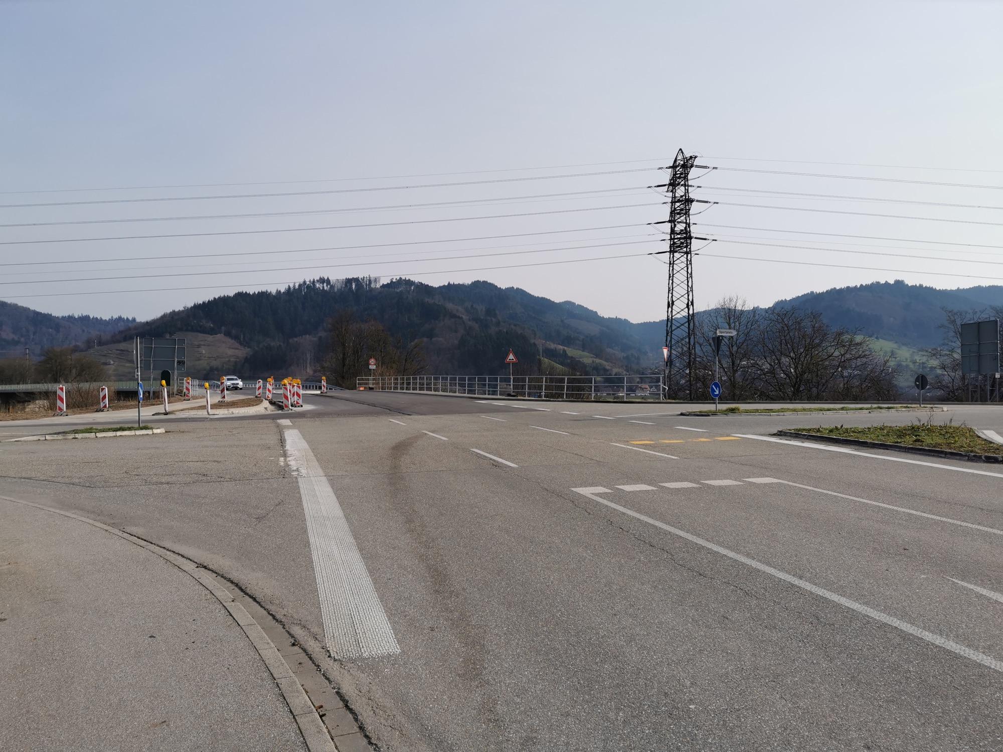 2021-4-1-GB-Sperrung- Brücke am Strohbacher Kreuz