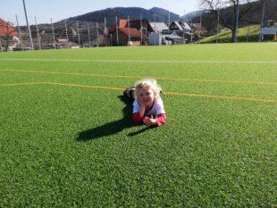 Alleine auf dem Fußballplatz