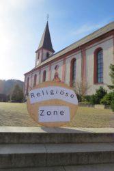 Kirchplatz wird im April  zur »Religiösen Zone«